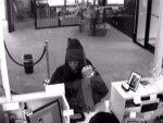 Мямлящая налетчица дважды не смогла ограбить банк
